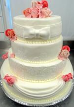 Hochzeitstorte Englischer Aufbau: Rose-Stencil-Barock