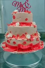 Hochzeitstorte Englischer Aufbau: Glossy Pink