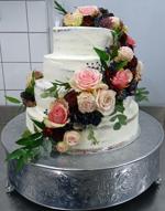 Hochzeitstorte Echte Blumen: Rosé Burgundy Semi-Naked Cake