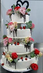 Hochzeitstorte Echte Blumen: A Little Bit Of Everything